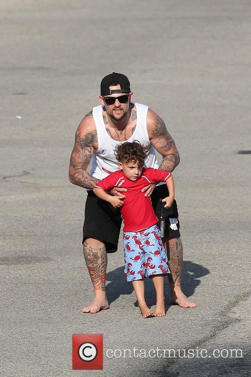 Joel Madden and Sparrow Madden 9