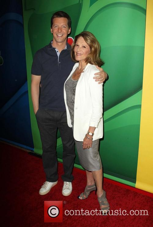 Sean Hayes and Linda Lavin 4