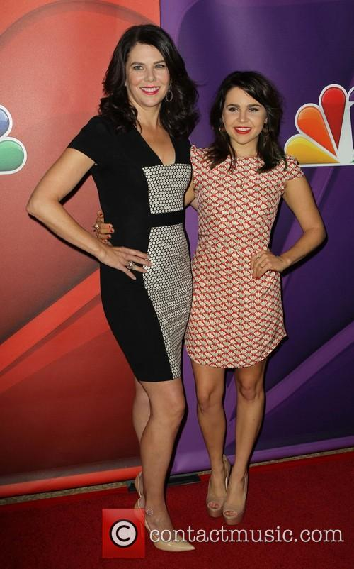 Lauren Graham and Mae Whitman 4