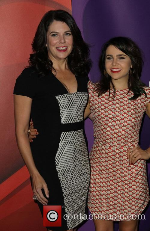 Lauren Graham and Mae Whitman 10