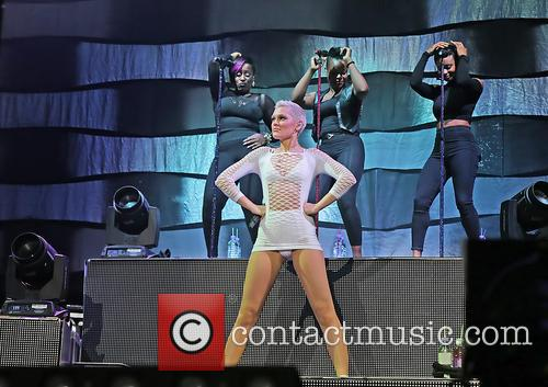 Jessie J and Jessica Ellen Cornish 21