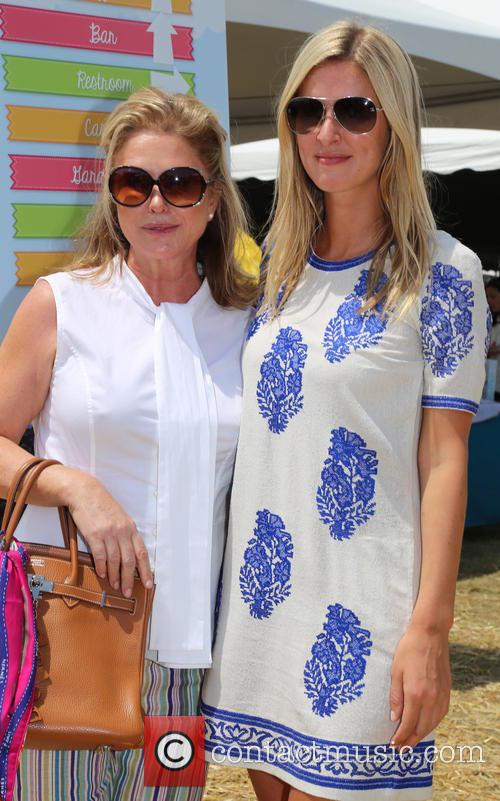 Kathy Hilton and Nicky Hilton 1