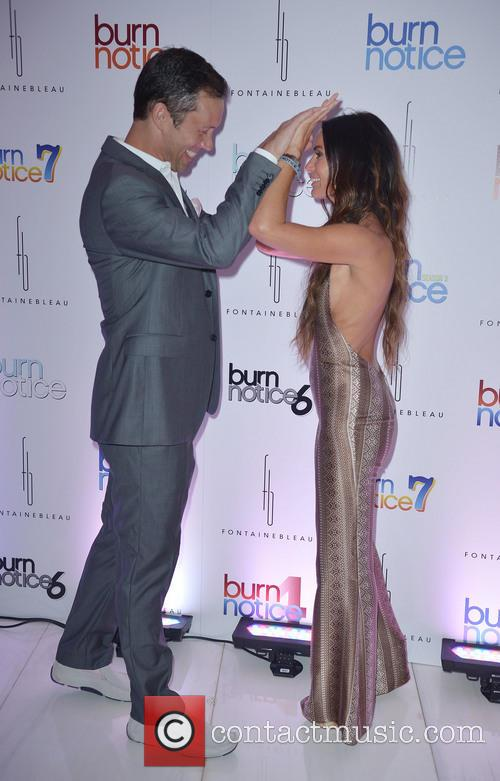 Jeffrey Donovan and Gabrielle Anwar 1