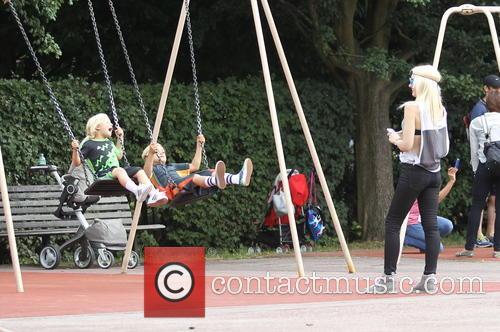 Gwen Stefani, Kingston Rossdale and Zuma Rossadale 1