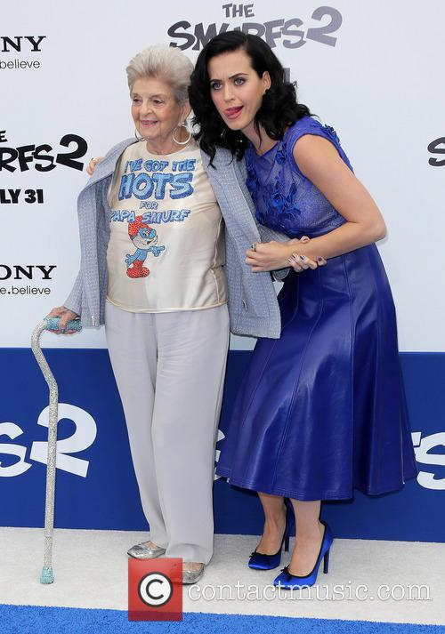 Katy Perry and with her Grandmother 3