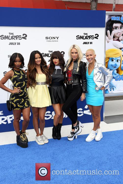 Natasha Slayton, Lauren Bennett, Emmalyn Estrada, Paula Van Oppen and Simone Battle 2