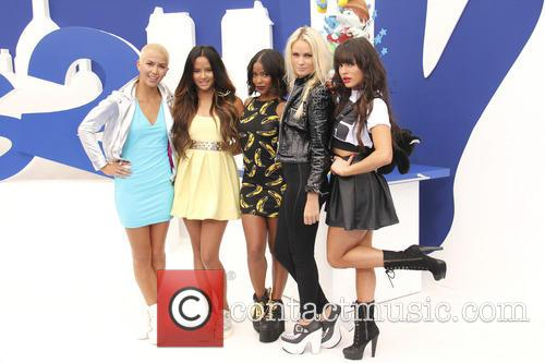 Paula Van Oppen, Emmalyn Estrada, Natasha Slayton, Lauren Bennett and Simone Battle 5