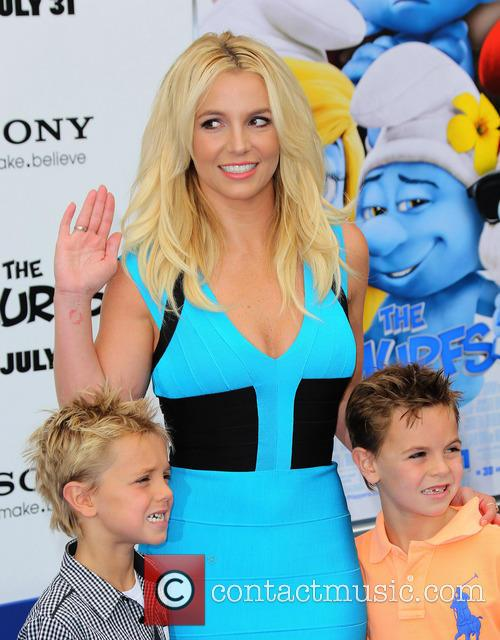 Britney Spears, Jayden James Federline and Sean Federline 2