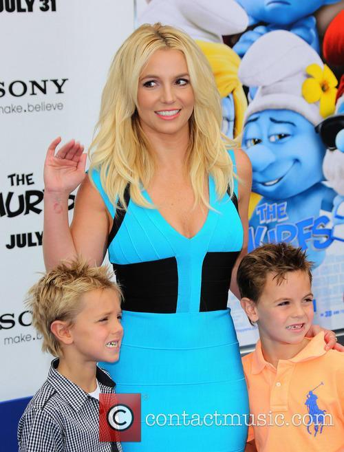 Britney Spears, Jayden James Federline and Sean Federline 3