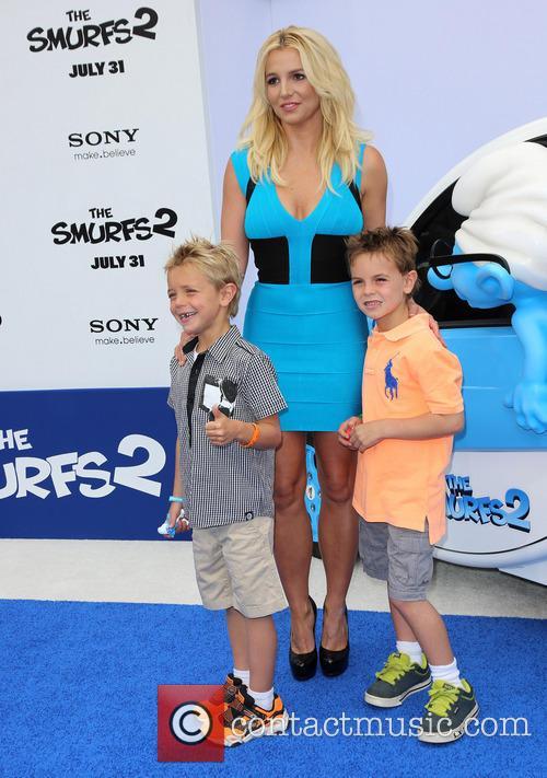Britney Spears, Jayden James Federline and Sean Federline 7