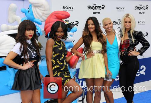 Paula Van Oppen, Lauren Bennett, Emmalyn Estrada, Simone Battle, Natasha Slayton and G.r. 2