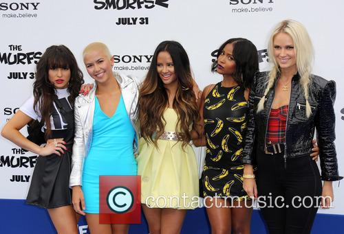 Paula Van Oppen, Lauren Bennett, Emmalyn Estrada, Simone Battle, Natasha Slayton and G.r. 4
