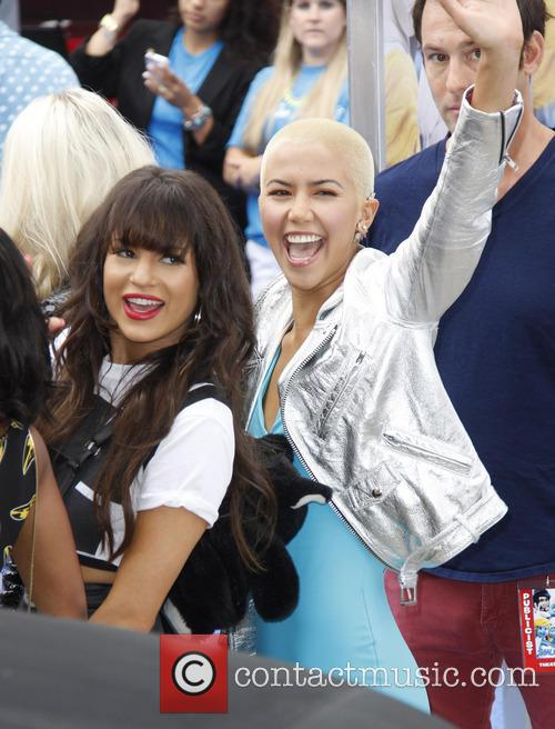 G.r.l. and Paula Vanoppen 1