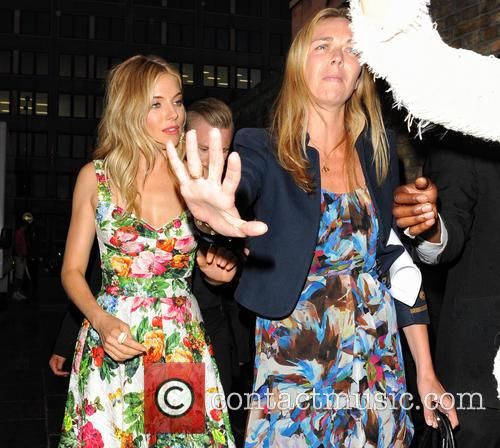 sienna miller bmw i3 global reveal party 3787781