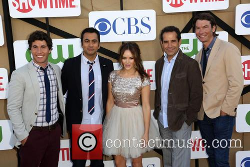 Chris Smith, Kal Penn, Rebecca Breeds, Tony Shalhoub and Jerry O'connell 2