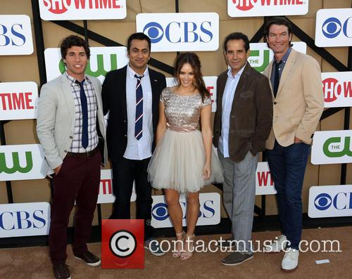 Chris Smith, Kal Penn, Rebecca Breeds, Tony Shalhoub and Jerry O'connell 1