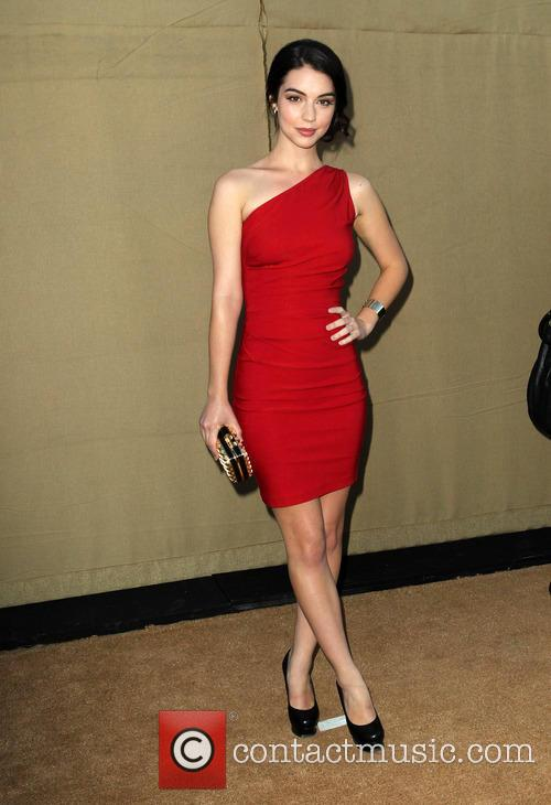 adelaide kane cw cbs and showtime 2013 3788707