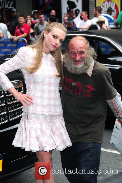 Amanda Seyfried and Radio Man 4