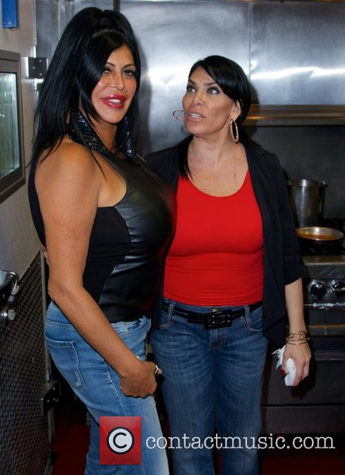 Renee Graziano and 'Big Ang' have dinner and...