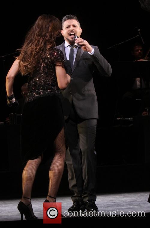Karina Smirnoff and Luis Enrique 5
