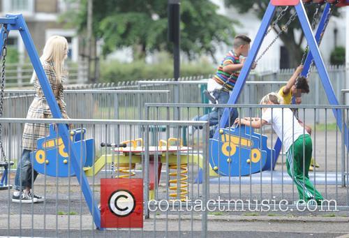 Gwen Stefani and Kingston Rossdale 5