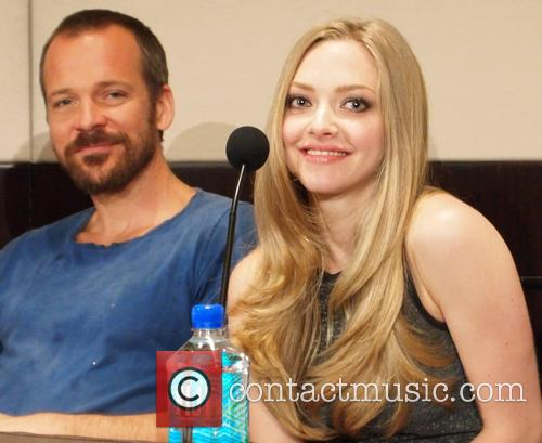 Peter Sarsgaard and Amanda Seyfried 2