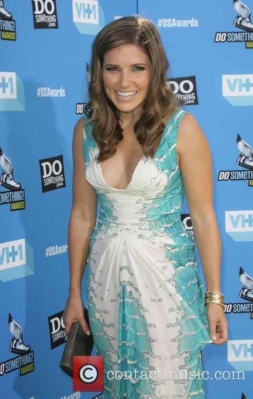 sophia bush 2013 do something awards 3790997
