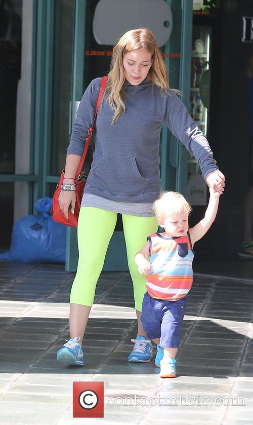 Hilary Duff and Lucas Comrie 13