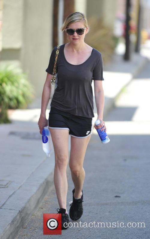 Kirsten Dunst arrives to the Tracy Anderson gym
