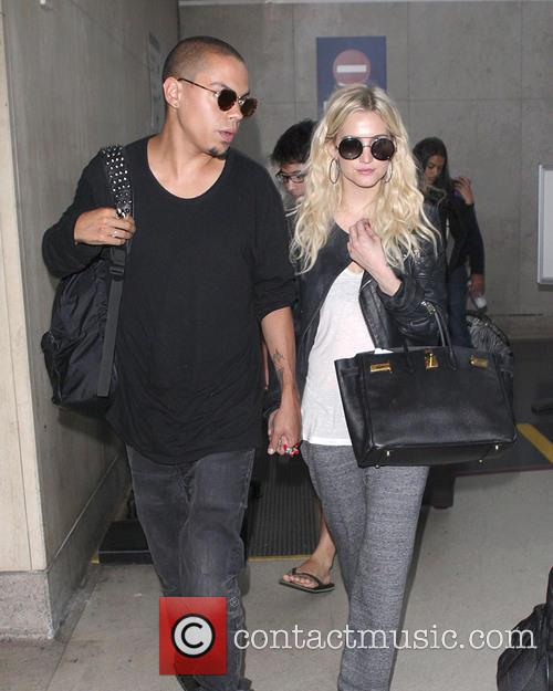 Evan Ross and Ashlee Simpson 6