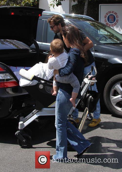 Scott Disick, Kourtney Kardashian and Penelope Disick 8