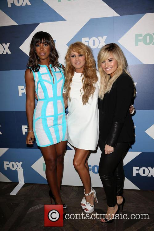 Kelly Rowland, Paulina Rubio and Demi Lovato 10