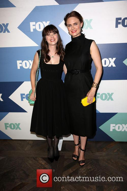 Zooey Deschanel and Emily Deschanel 4
