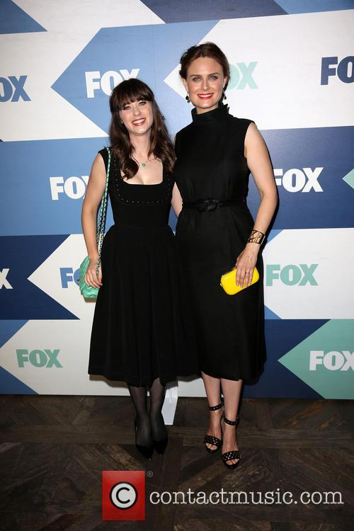 Zooey Deschanel and Emily Deschanel 8