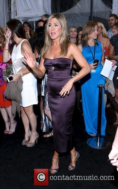 Jennifer Aniston 13