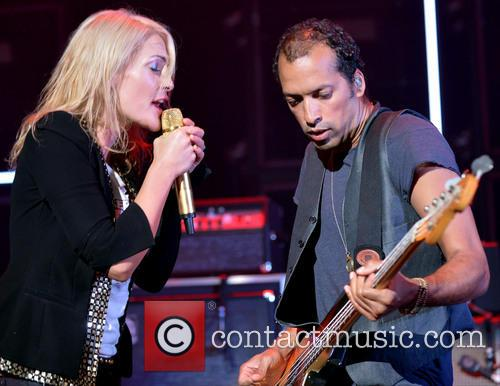Emily Haines and Metric 7