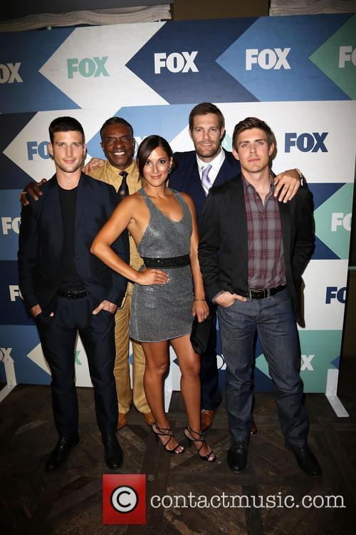 Parker Young, Keith David, Anelique Cabral, Geoff Stults and Chris Lowell 1