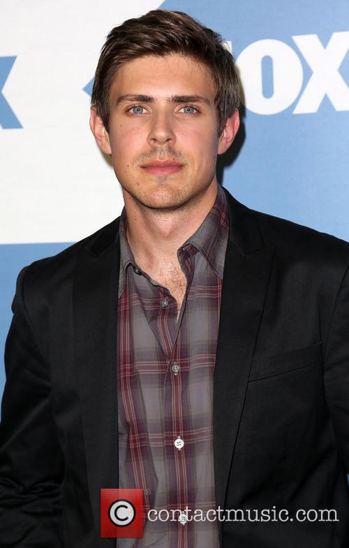 Chris Lowell 4