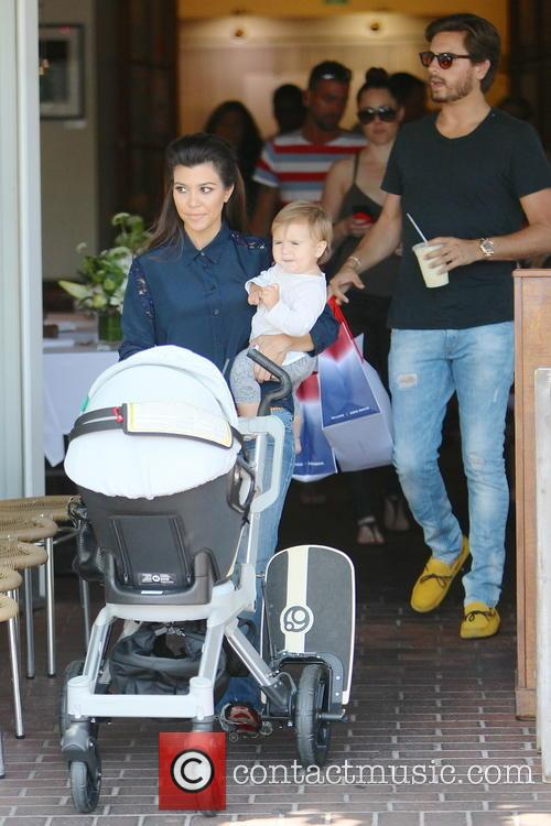 Kourtney Kardashian, Scott Disick and Penelope Disick 7