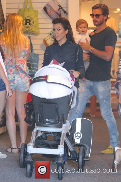 Kourtney Kardashian, Scott Disick and Penelope Disick 8