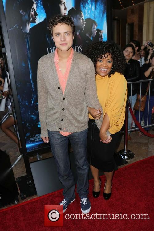 Douglas Smith and Yvette Nicole Brown 5