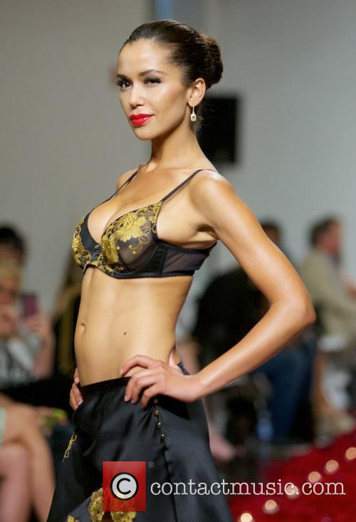 Model for Rococo Dessous LingerieFW