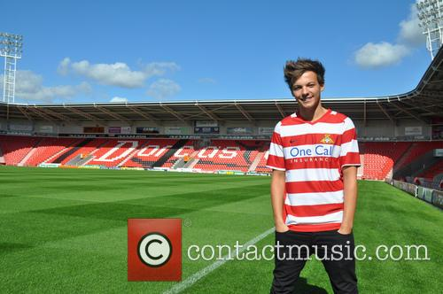 One Direction star Louis Tomlinson has signed to...