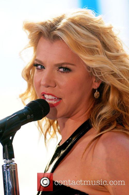 The Band Perry and Kimberly Perry 6