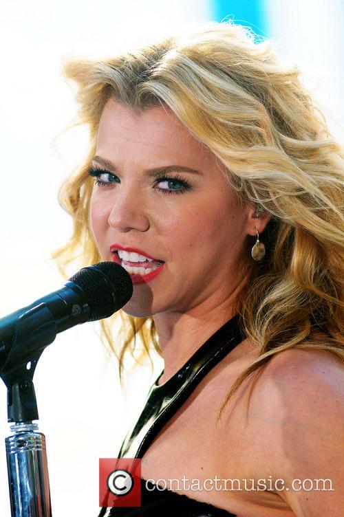 The Band Perry and Kimberly Perry 10