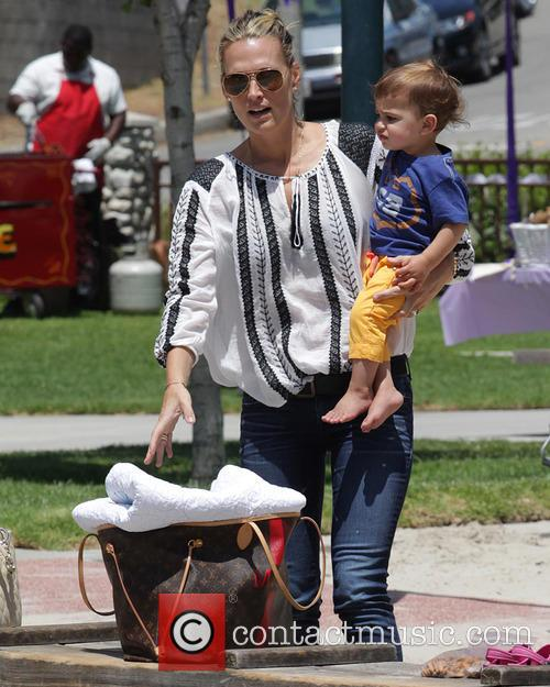 Molly Sims and Brooks Stuber 26