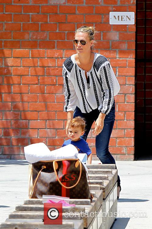 Molly Sims and Brooks Stuber 3