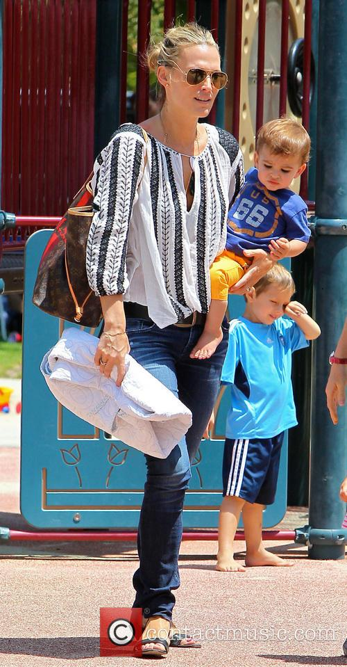 Molly Sims and Brooks Stuber 4