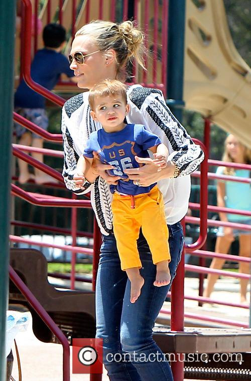 Molly Sims and Brooks Stuber 10