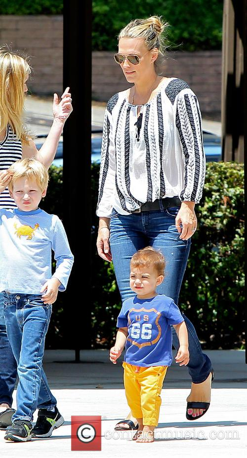 Molly Sims and Brooks Stuber 16